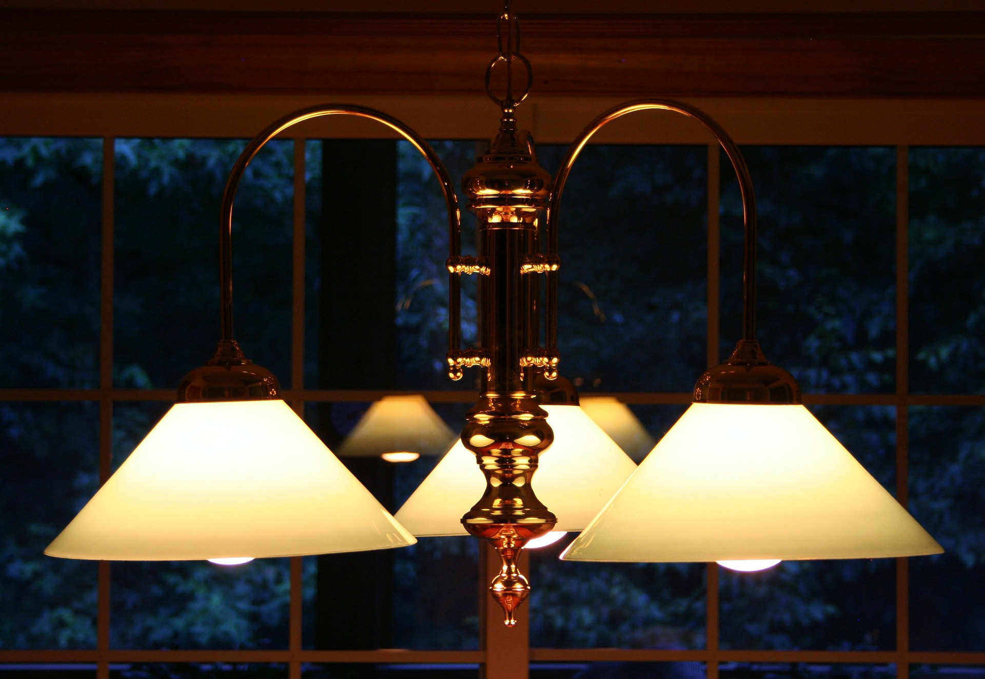 chandelier-52247_1920