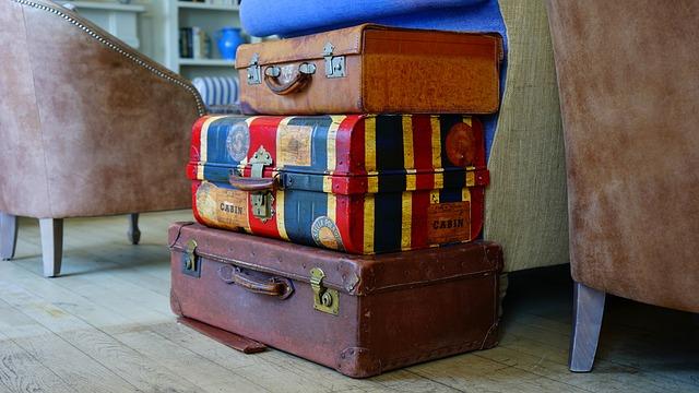 tři kufry