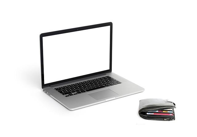 peněženka a laptop
