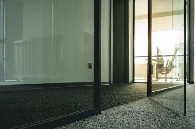 sklenené dvere na mieru